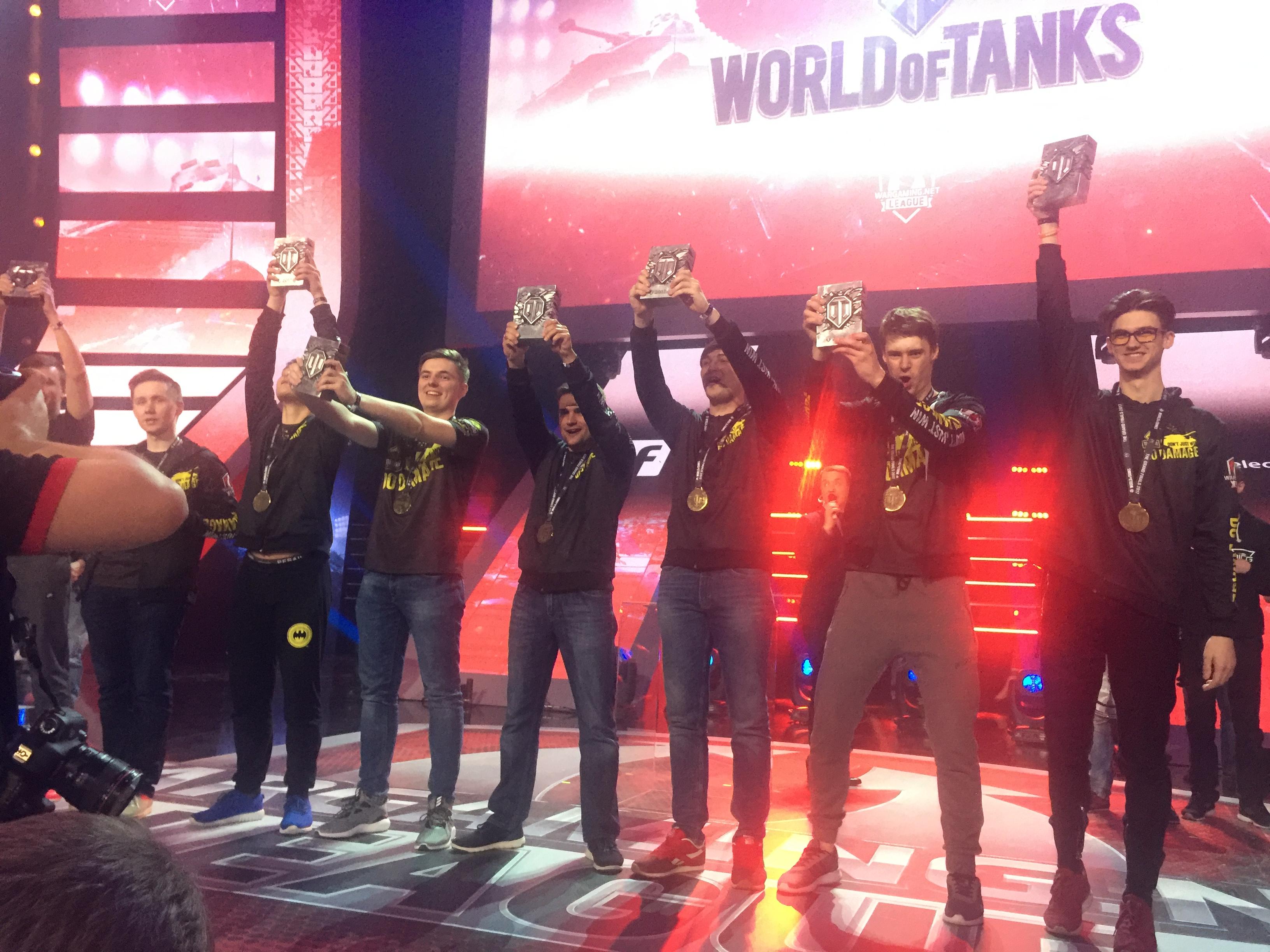 WGL全球总决赛冠军个人纪念奖杯