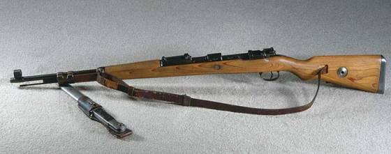 从1935年开始服役,直到二战结束前都是纳粹德军的制式步枪.kar.