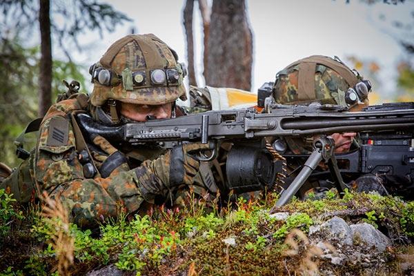 军事资讯_有军事评论家认为,这是向俄罗斯展示武力,阻止其在乌克兰方面大打出手