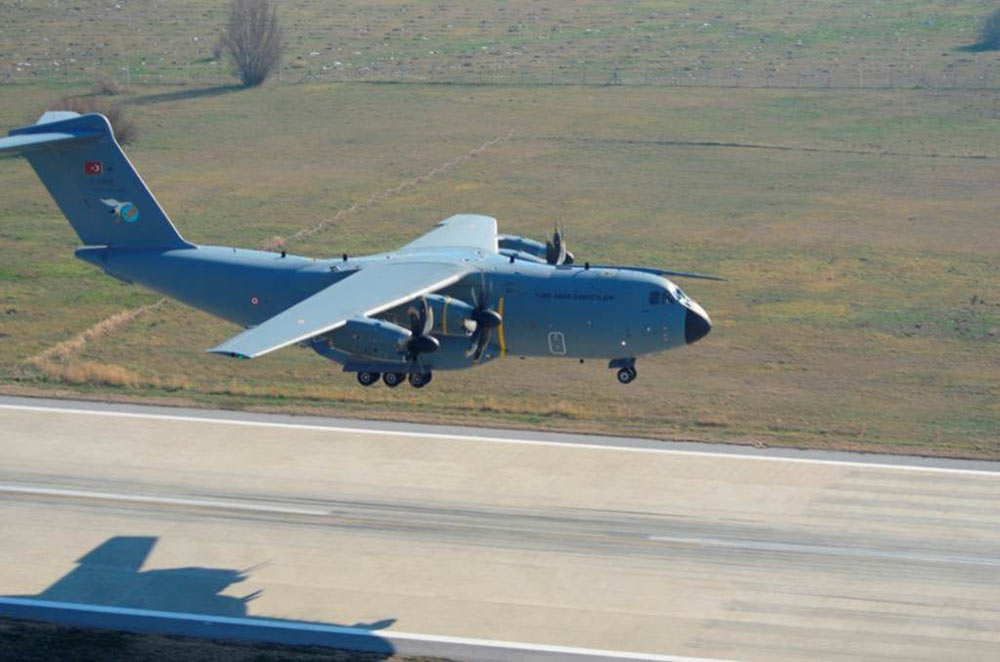 土耳其空军司令亲自驾驶a400m运输机进行试飞