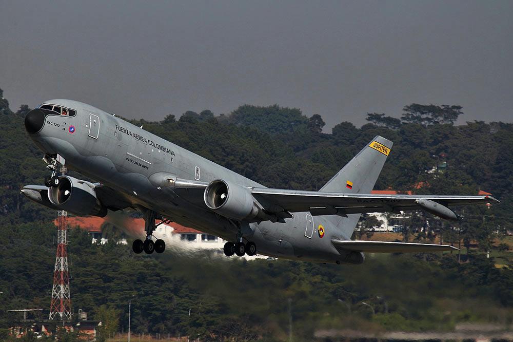 主要内容涉及767飞机的空中加油包线扩展