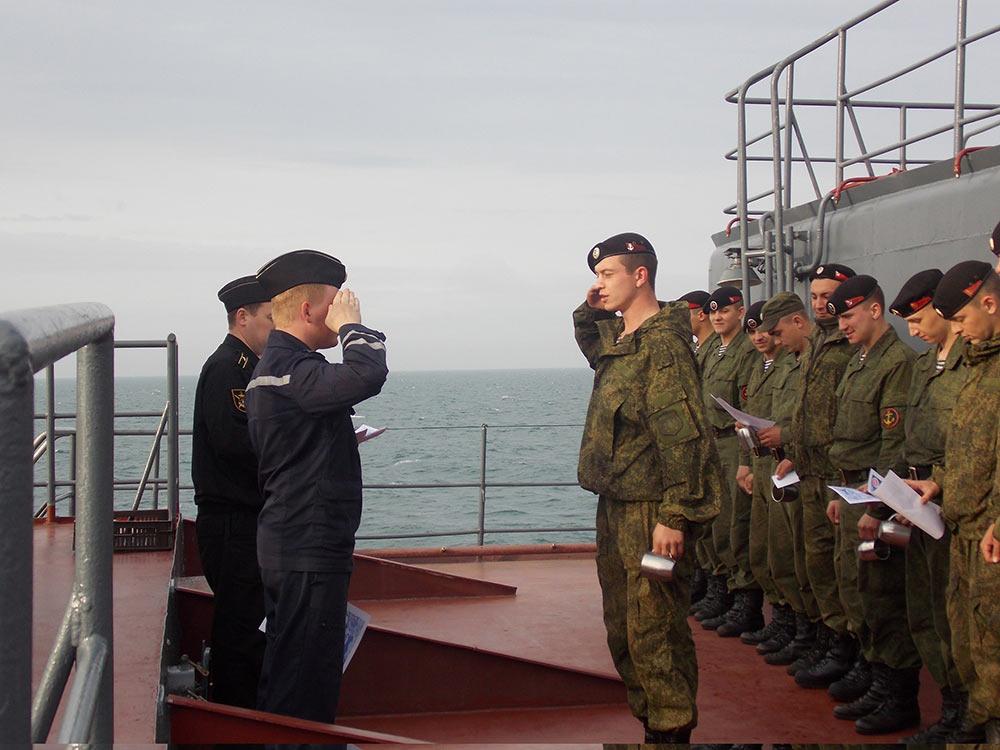 俄罗斯海军陆战队海量私密生活训练照曝光