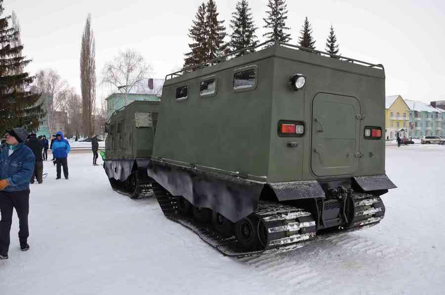 俄罗斯dt-3pm铰接式履带式装甲运输车公开亮相