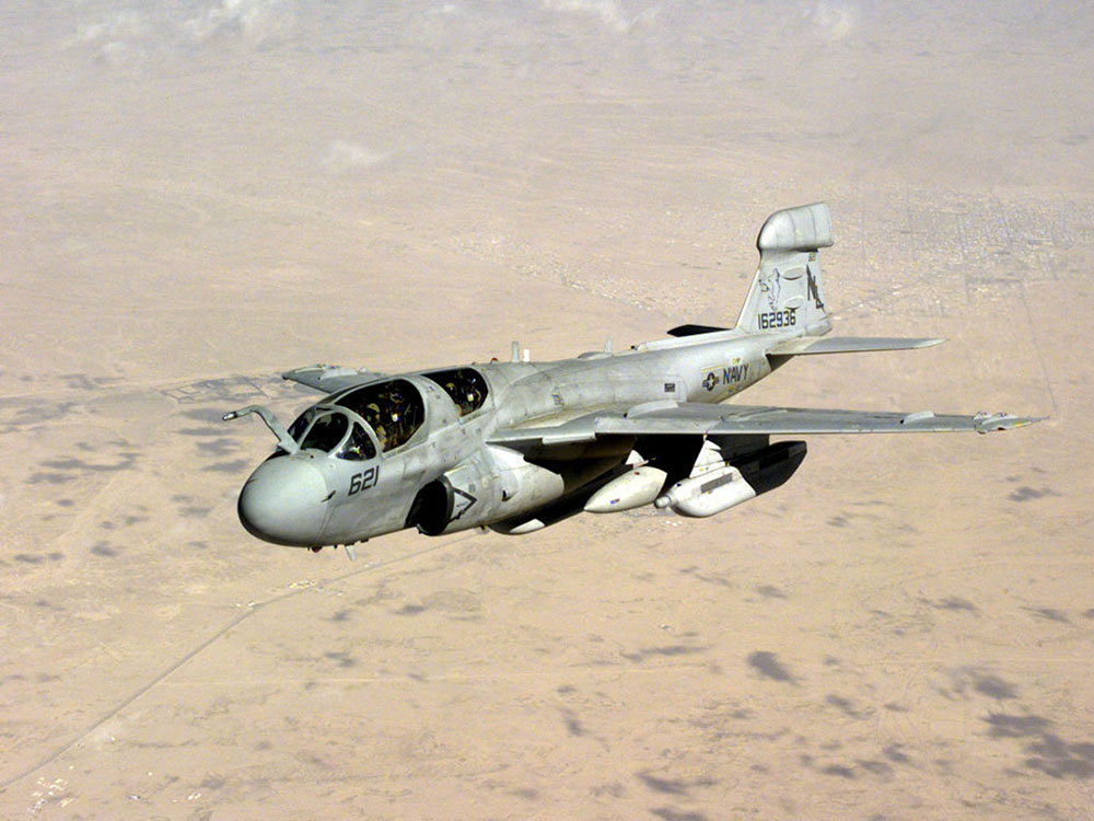 美国海军ea-6b电子战飞机退役
