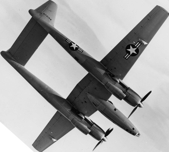 飞行大亨的神秘飞机 休斯xf-11型侦察机原型机