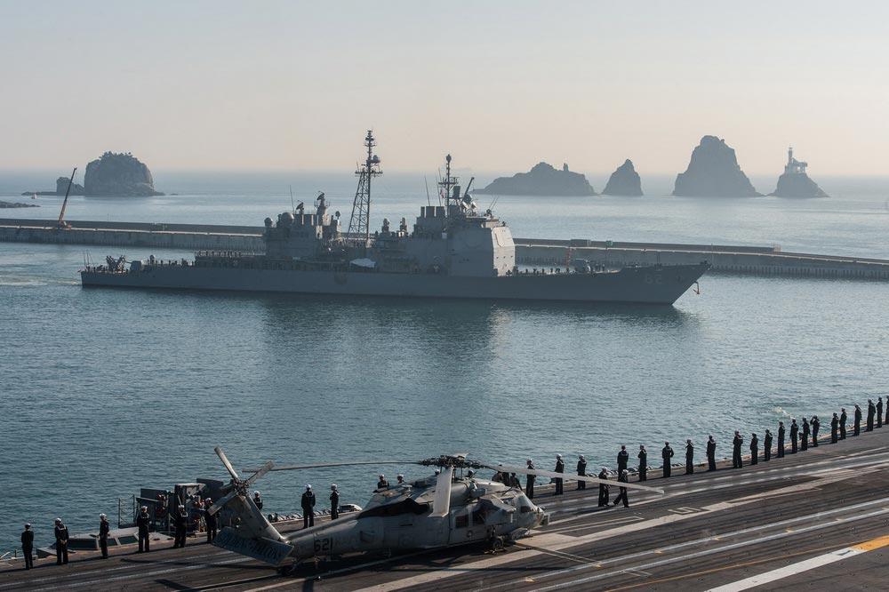 """来去匆匆 美国""""里根""""号航母编队已离开韩国釜山"""