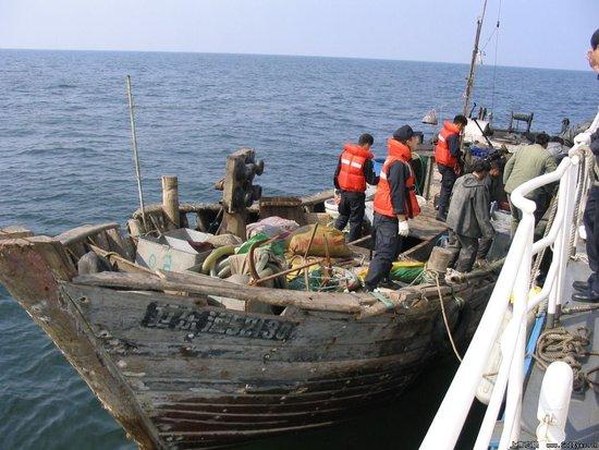 根廷击沉中国渔船_韩媒称韩国海警一周内已查扣8艘中国渔船