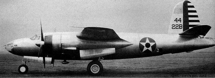 这些飞机在夏威夷希凯姆机场(hickam field)重新组装,在 b-26 后弹舱