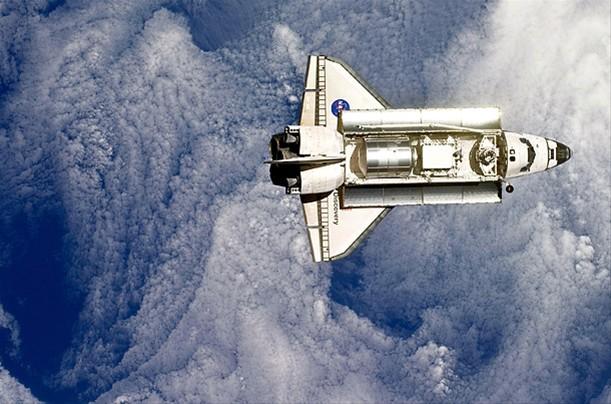 美国航天飞机风雨30年