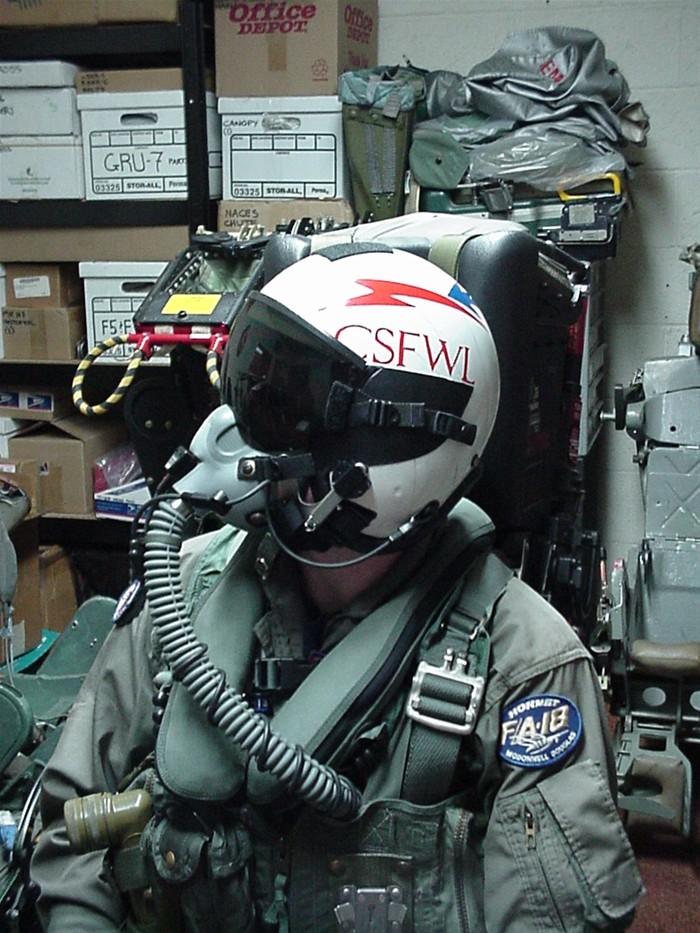 中国装甲侦察车视频_美国飞行头盔花样繁多_空中网军事频道