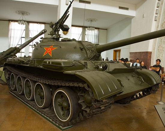 新中国的第一种坦克+59式中型坦克