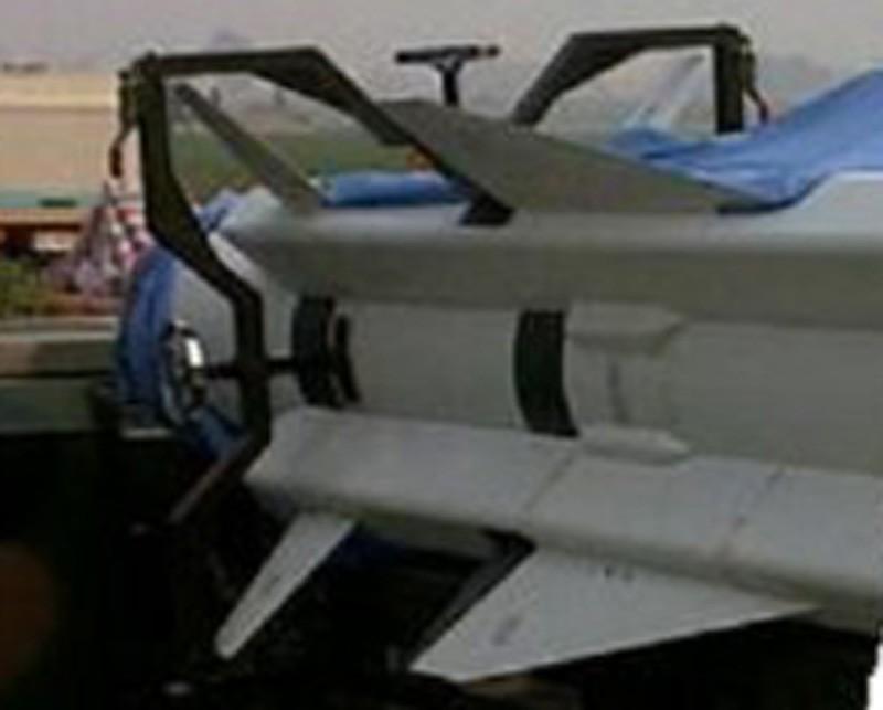 我国新一代超音速反舰导弹鹰击12曝光