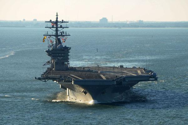美国艾森豪威尔号航母执行任务图片