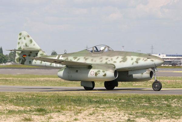 """喷气式战机的鼻祖—me.262""""飞燕"""""""