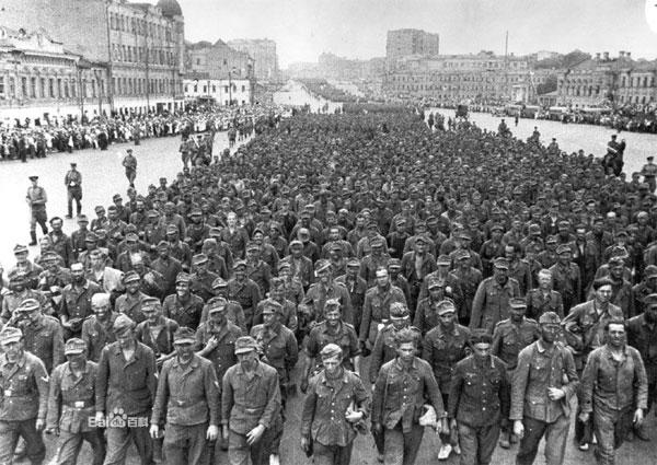 柏林战役——法西斯德国宣告灭亡