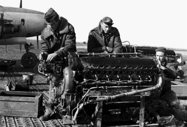 声呐发现可疑物体 高度疑似飞机发动机