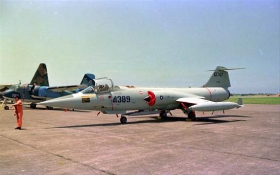 90年代台湾飞机侦照路桥机场遭pla拦截