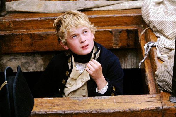 电影《怒海争锋》中的少年海军见习生