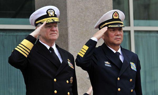 海军简笔画女孩