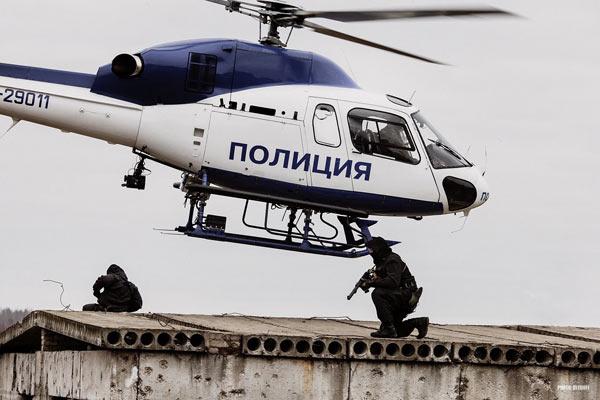 俄罗斯特种部队汇报表演展示强悍战斗力