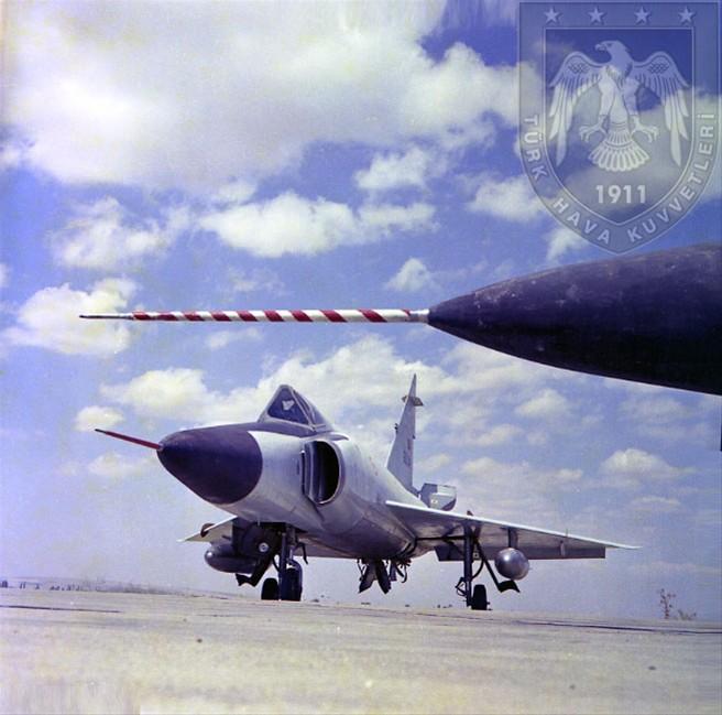 希腊 土耳其/F/102三角剑战斗机,土耳其和希腊空军都采购了此战机。