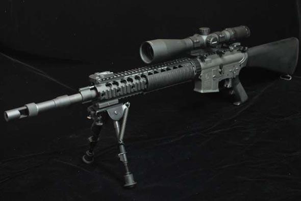 美国/瞄准镜架:早期型号ARMS生产的采用长导轨,被称为SWAN套的...