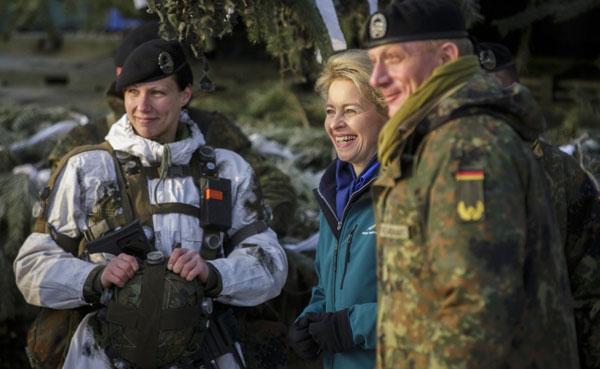 德国女防长参观德国国防军作战训练中心