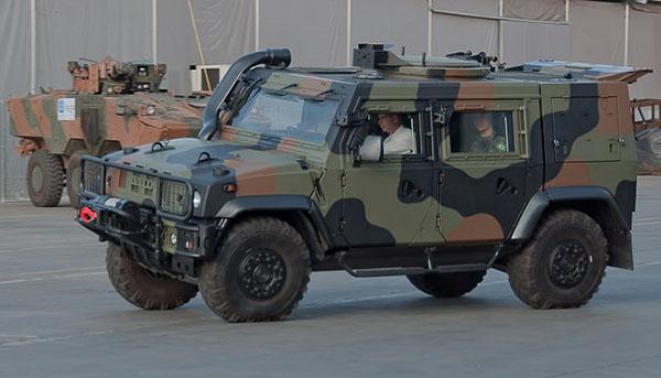 军事资讯_军事新闻 明星新武    巴西陆军评估中心(caex)已经开始试验的军队的