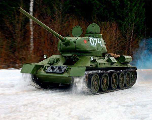 俄罗斯资深军迷完美复原t-34-85主战坦克