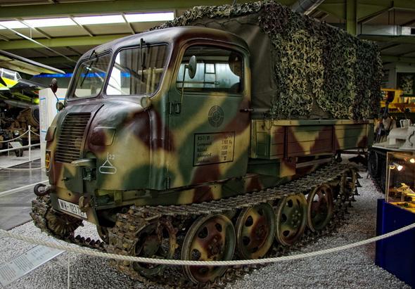 德国rso履带式牵引车 战场上的快速机动车辆图片