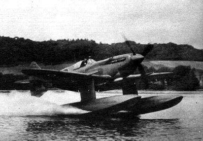 第一架喷火式水上飞机是在一架喷火mki型战斗机基础上进行的改装.