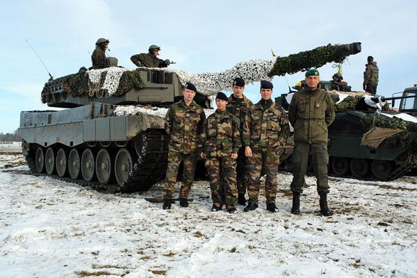 军事资讯_军事新闻 新闻图片  点击查看全部精彩大图>>   从2月3日开始,奥地利