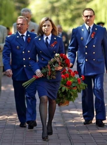 克里米亚美女检察长宣誓效忠俄宪法