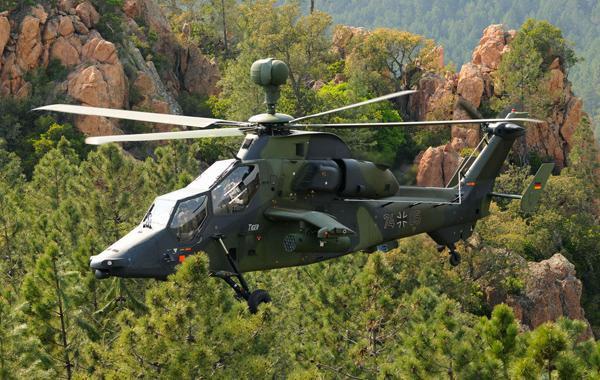 虎式直升机采用自封油箱