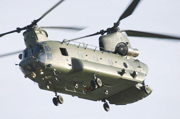"""美国ch-47""""支努干""""多功能双螺旋桨运输直升机图片"""