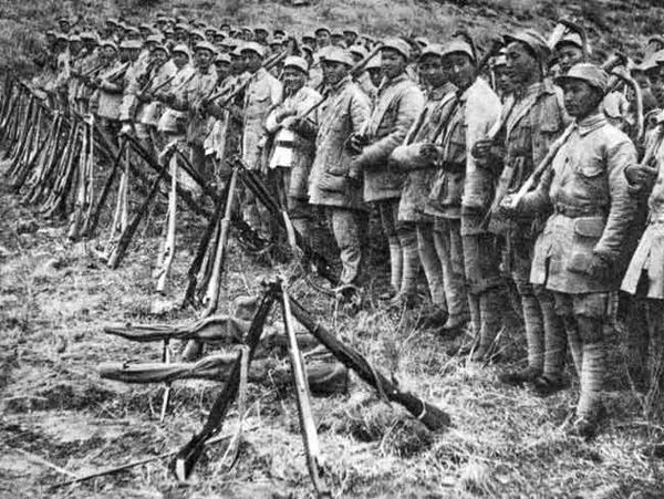 抗战中的山东八路军击落日军飞机