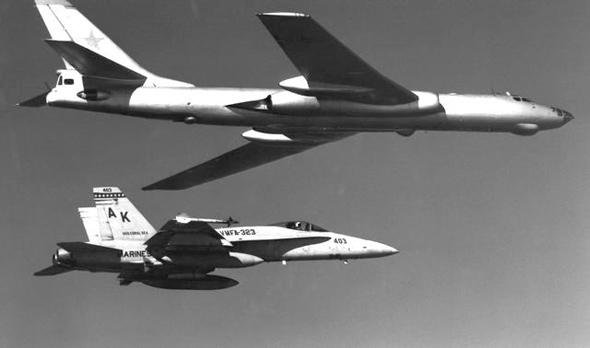 苏联图波列夫设计局图-16双发高亚音速轰炸机