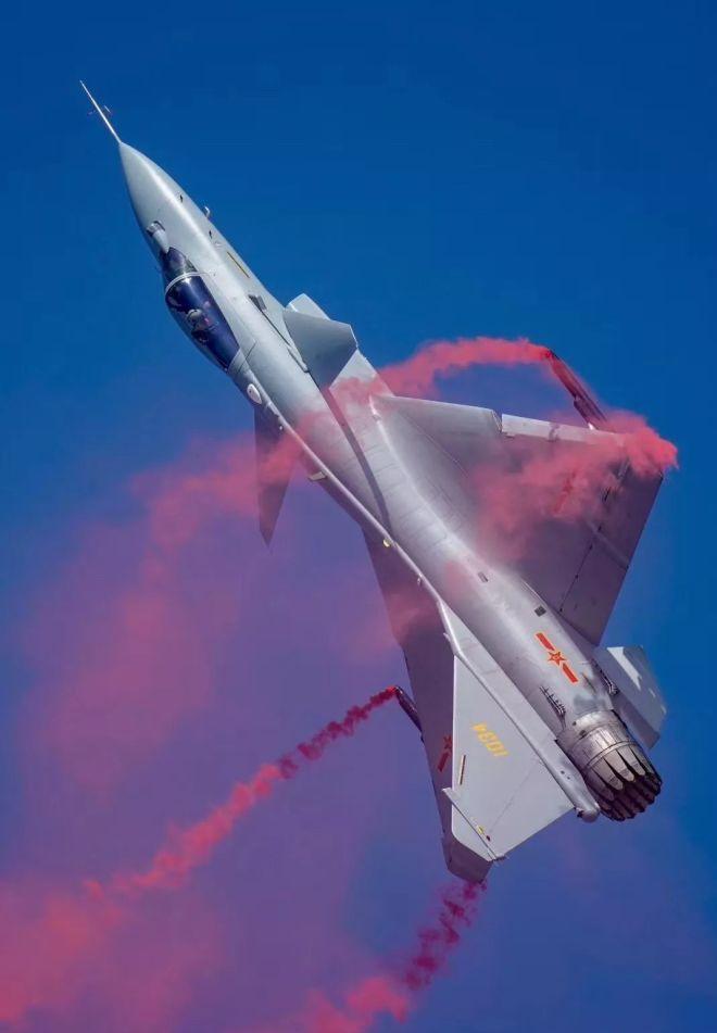 直接利用歼-10b平台改装矢量发动机,可以说对新型发动机的装机目标