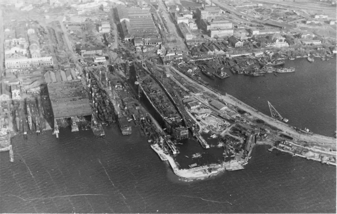 黑海造船厂早期就建造过26型(基洛夫级)和68bis型(斯维尔德洛夫级)轻
